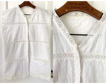 Vintage 70s sleeveless white cotton & lace blouse with pockets, boho fashion, Sz M/L