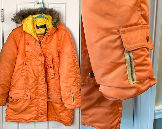 Vintage 1970s orange parka with faux fur trimmed hood | mod winter jacket | Pirates Cove | Size M