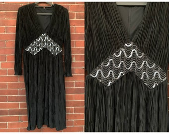 Vintage 70s black jersey dress with micro pleated fabric and silver sequin details Sz M/L