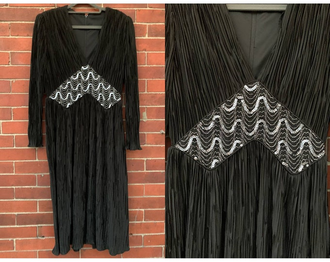VTG 70s black jersey dress with micro pleated fabric and silver sequin details Sz M/L