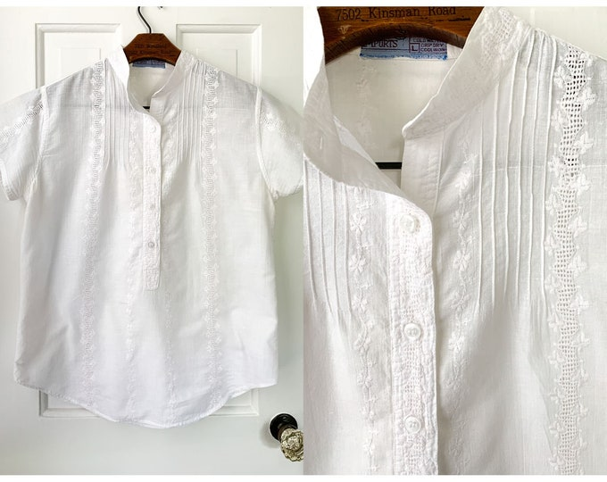 Vintage 70s white cotton embroidered blouse with short sleeve, boho fashion, made in India, Sz M