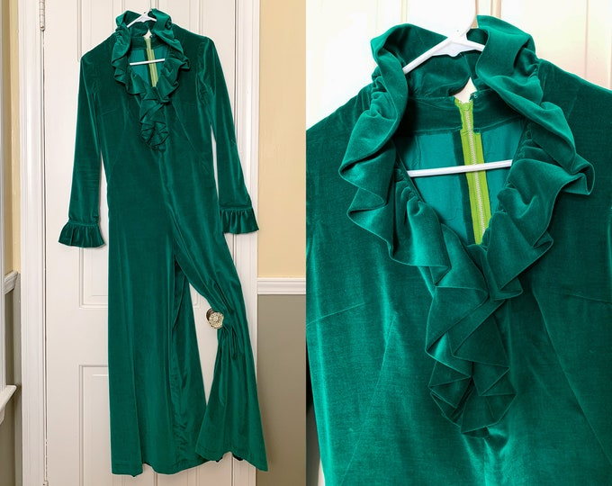 Vintage 1970s kelly green velvet jumpsuit with ruffled collar and cuffs | Christmas outfit | holiday jumpsuit | velvet romper | Size S