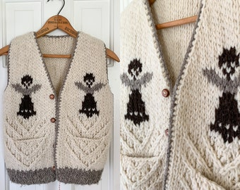 Handmade Peruvian sweater vest with angel design and wooden buttons | Size M