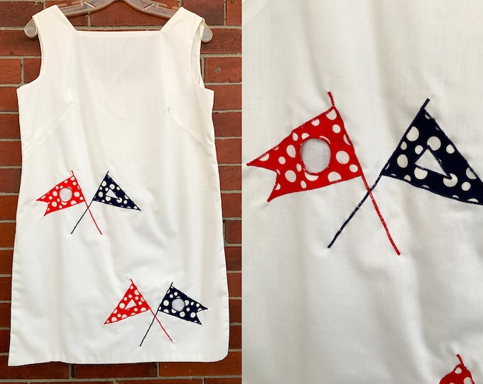 VTG 60s white sleeveless tunic top with boating flag cut-out applique Sz L