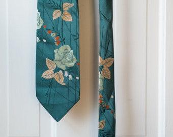 Vintage Napolinni Cravates necktie with rose/floral pattern design