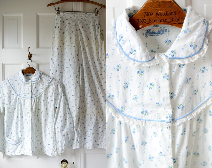 Vintage 50s blue floral print cotton pajamas with high waisted wide legged bottoms, Barbara Lee Jr., Sz XS