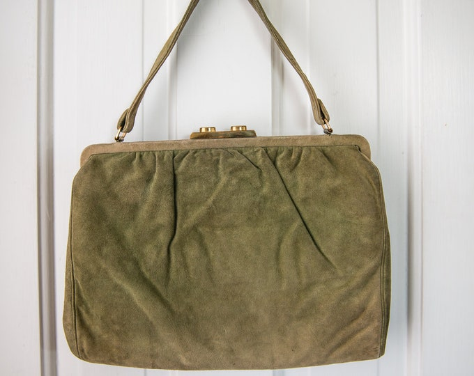 "Vintage 1940s moss green suede handbag purse with gold clasp | Saks Fifth Avenue | 9"" x 12"""