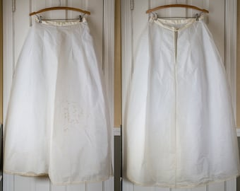 Vintage floor-length white crinoline with tulle and taffeta under layers | wedding bridal slip | Size S
