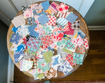 "Lot of 150+ piece vintage 1940s 1950s quilting squares 1.5""x1.5"" with original homemade ""pattern"" 