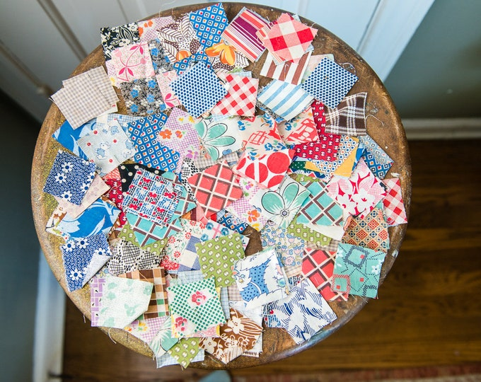"""Lot of 150+ piece vintage 1940s 1950s quilting squares 1.5""""x1.5"""" with original homemade """"pattern"""" 