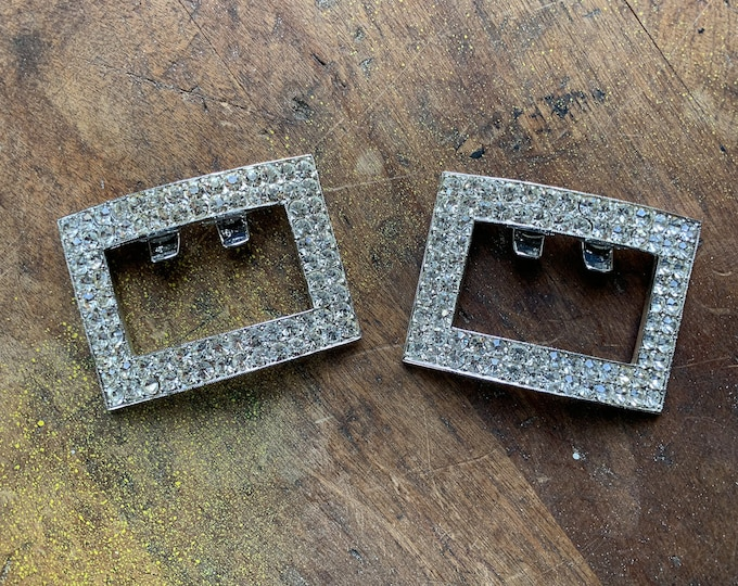 Vintage 1950s pair of rectangular silver rhinestone shoe clips