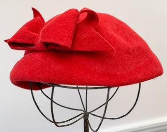 Vintage 1950s raspberry pink felt pillbox hat with bow, 50s fashion hat, Size M/L