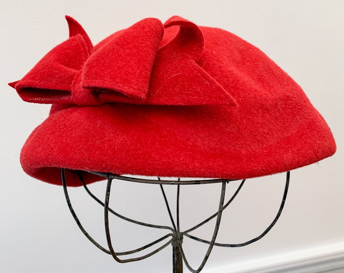 Vintage 1950s raspberry pink felt pillbox hat with bow, 50s fashion hat, Size M/L