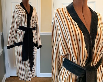 Vintage men's velvet-y terrycloth striped bathrobe, cozy oversized robe, made by Baxer Made in Italy, Size M/L