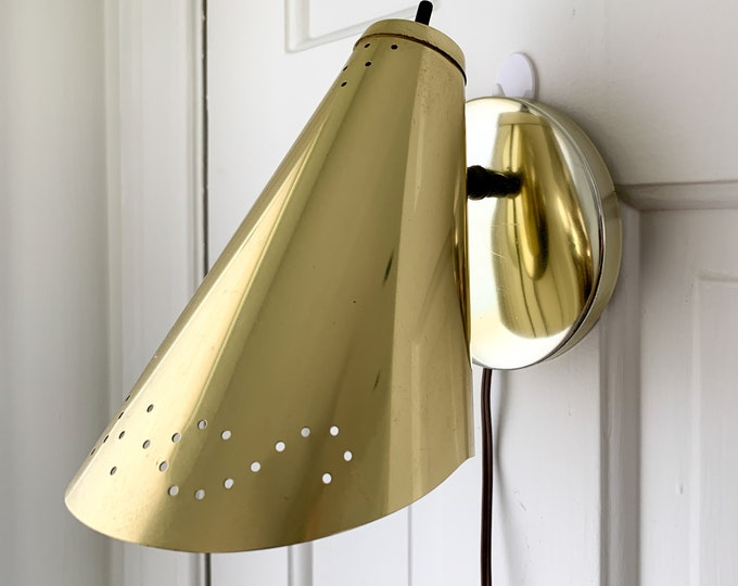 Vintage gold tone and pierced wall mount light fixture, reading light or spot light