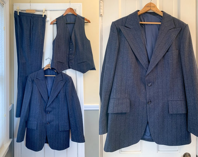 Vintage 1970s blue/gray striped wool 3 piece suit, 70s men's business suit, blue wedding suit, made by Don Robbie, Made in France, size 40