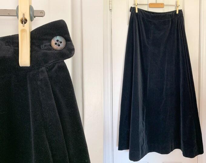 Vintage 1970s black velvet maxi skirt   Schrader Sport   Union Made   Size M
