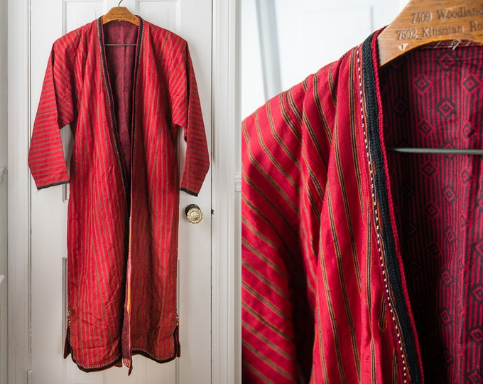 Vintage red robe or duster with braided trim and embroidery, Size M/L