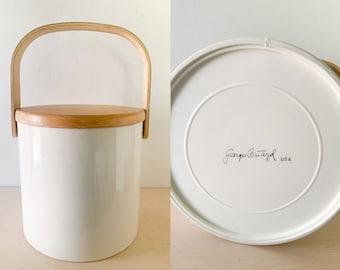 Vintage Georges Briard white vinyl ice bucket with blond wood hand and top, minimalist ice bucket, vintage drink and barware
