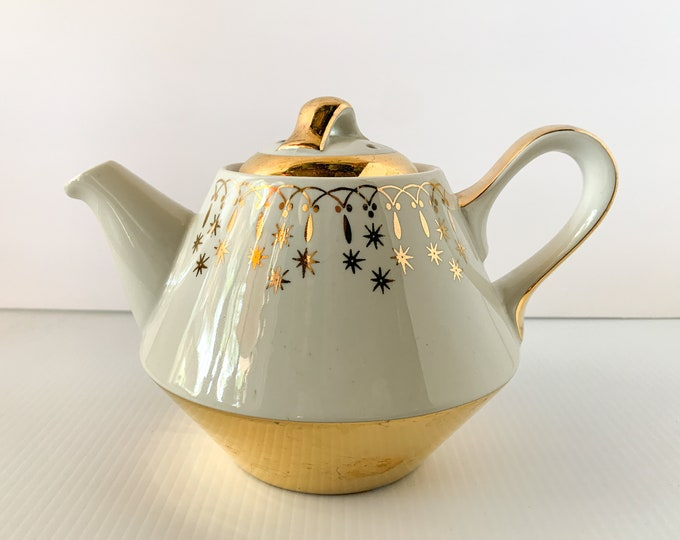 Vintage Flare-Ware by Hall China teapot gold lace atomic starburst pattern and metallic gold accents, MCM teapot, made in USA
