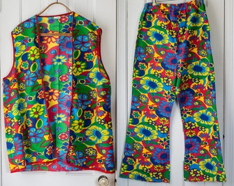 Vintage 1970s clown costume in mod psychedelic flower power print and bellbottom pants | Size L