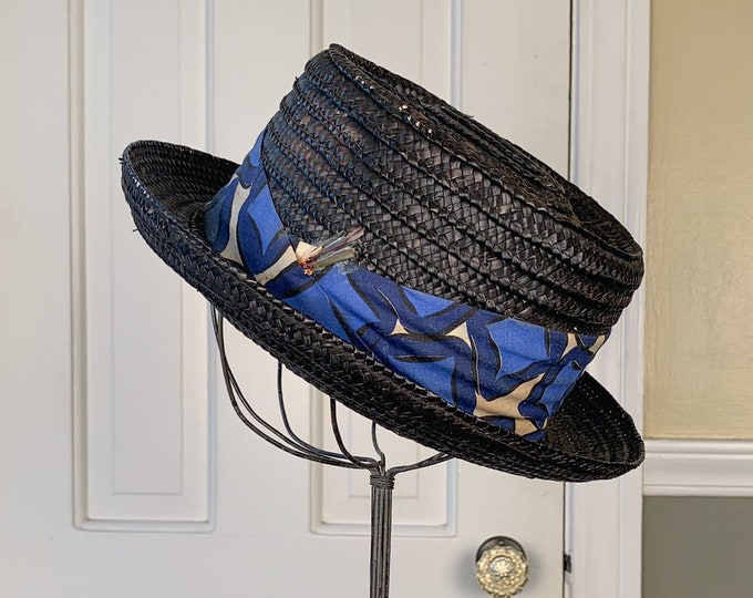 Vintage 1950s black woven pork pie hat with mod print band | men's summer fedora | Size M
