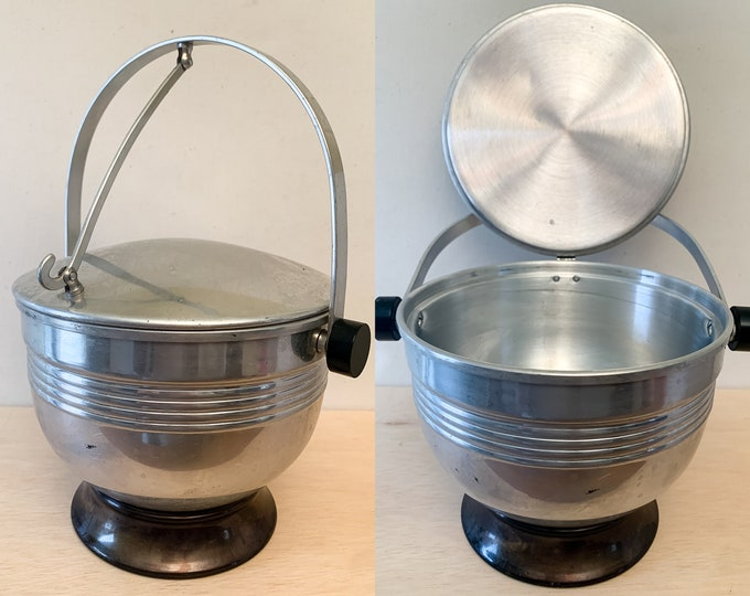 Vintage mid century aluminum ice bucket with hinged lid, MCM ice bucket, vintage drink and barware