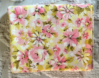 Vintage 1970s king size flat sheet in pink and green mod floral print