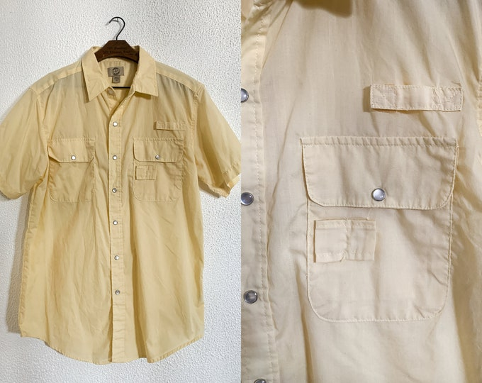 Men's yellow Haband Travelers utility shirt with short sleeves and snap buttons, Sz M