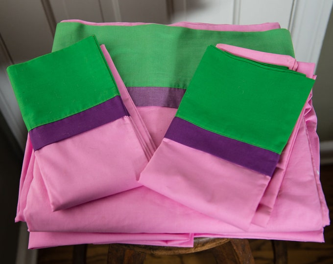 Vintage 1970s king size flat sheet & pillow cases in pink, green and purple | Springmaid Wondercale