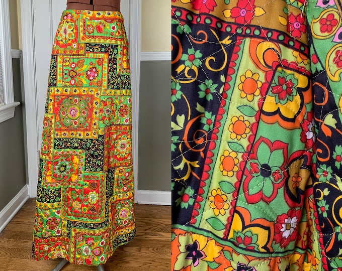 Vintage 1960s handmade quilted maxi skirt in mod floral pattern | 60s boho skirt | Size S