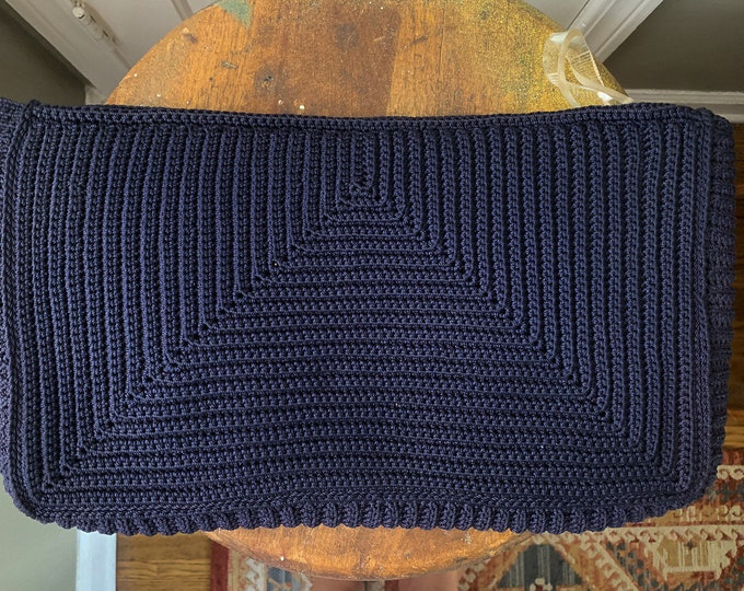 "Vintage 1940s navy blue crocheted Corde clutch purse with a plastic looped zipper pull | 9"" x 16"""