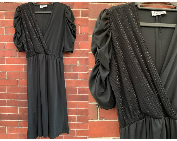 VTG 70s black jersey dress with sparkly thread details and ruched sleeve Sz L