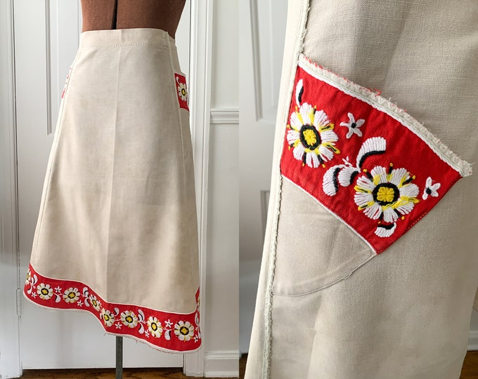Vintage beige and red half apron with embroidered daisy trim, hostess apron, MCM apron