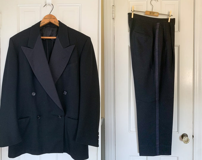 Vintage 1940s 1950s black wool double breasted tuxedo suit with high-wasted pleated trousers | size 40