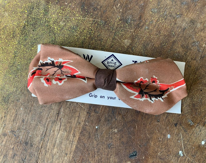 "Vintage 1950s ""u-clasp"" brown and orange clip-on bow tie with original display card 