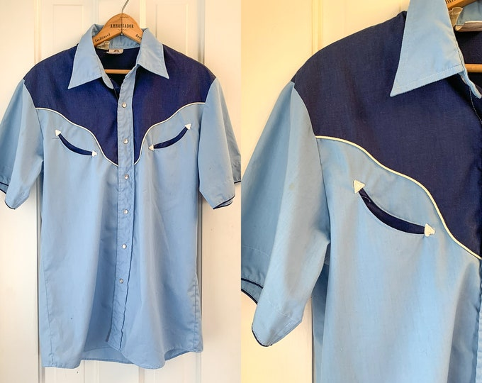 Vintage 1970s blue short sleeve western shirt made by Alfie California, 70s western wear, vintage cowboy fashion, Size M