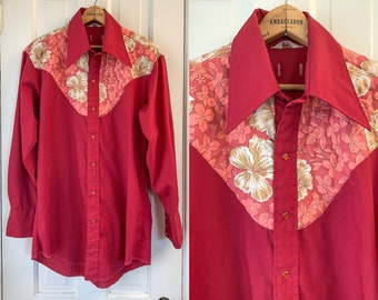Vintage 1970s red western shirt with quilted floral yolk and wide pointed collar, 70s western wear, vintage cowboy fashion, Size L