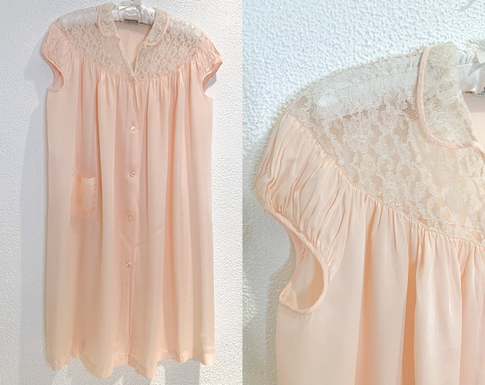 Vintage 60s pink nightgown or robe with lace yolk and collar, Barbizon Sleepyhead, Size S