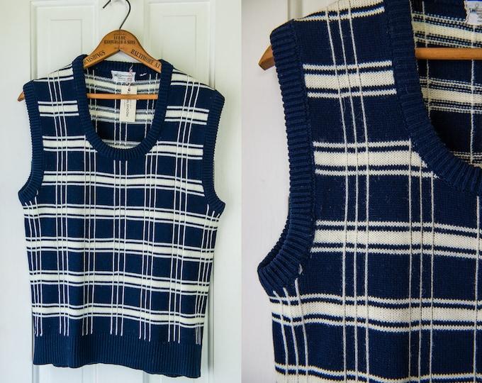 Vintage 1970s preppy acrylic navy blue and white knit sweater vest | Kmart | Size S