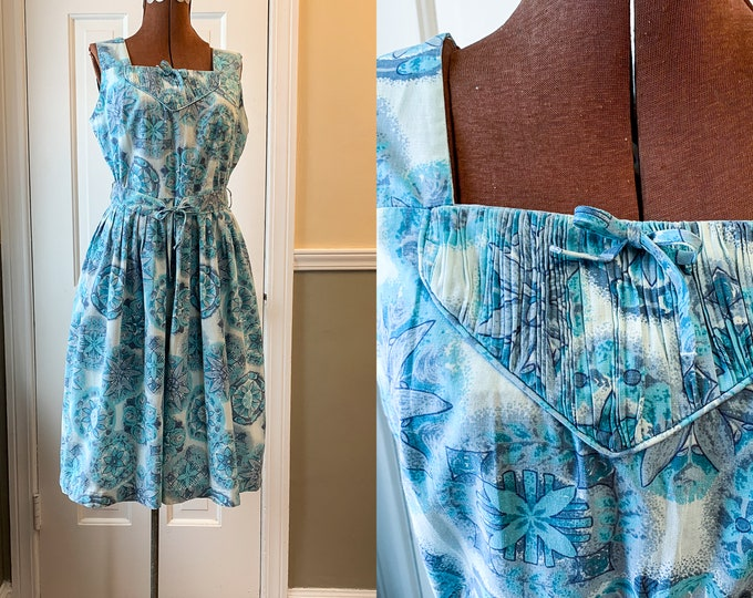 Vintage 1950s blue and white cotton sundress, 50s house dress, blue mod print shift dress, Size M