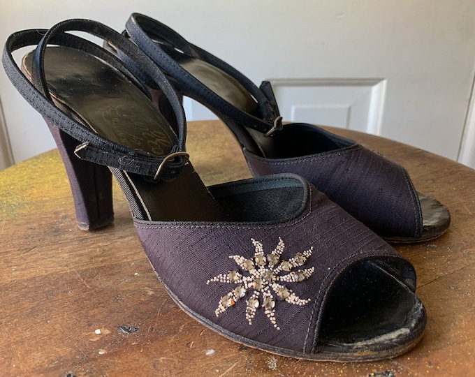 Vintage 1950s black peep toe ankle strap sandals with decorative rhinestone floral design on front and heal | Rozzini | Size 5.5 - 6