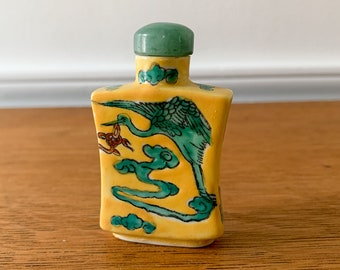 Vintage hand-painted Asian ceramic snuff box with crane decoration, snuff bottle, Japanese collectible