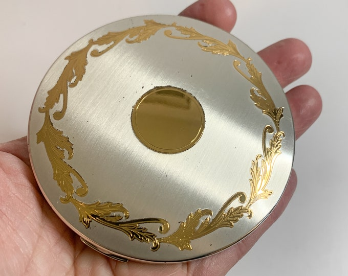 Vintage Elgin America powder & mirror compact in silver and gold scroll design