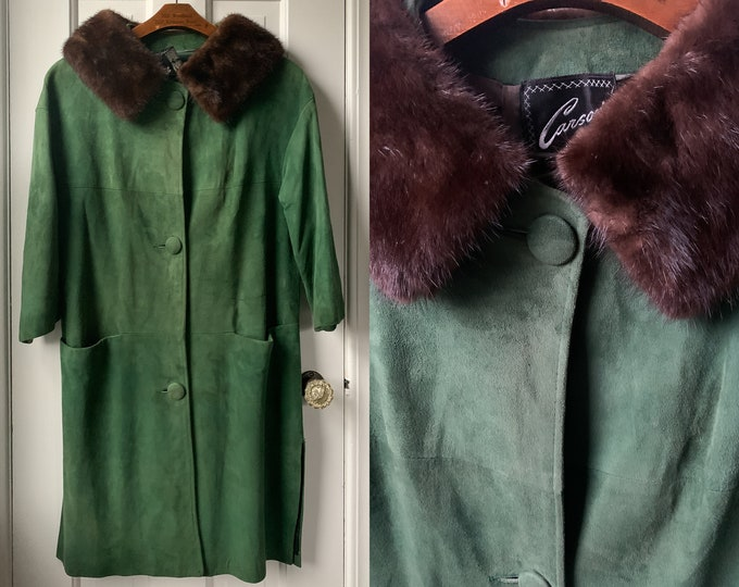 Vintage 50s 60s green suede coat with fur collar Sz M