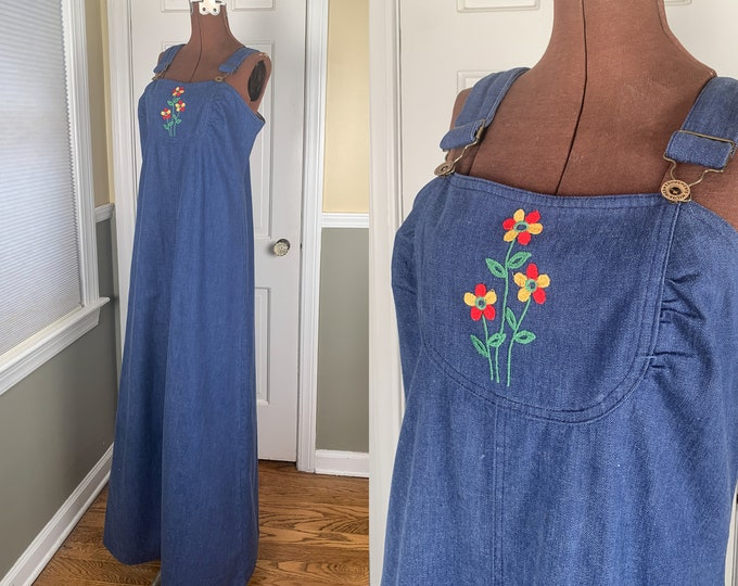 Vintage 1970s denim maxi jumper dress with embroidered flower detail | blue jean dress | overall dress| Size S - M