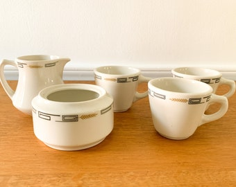 Vintage 50s lot of 5 pc Syracuse China restaurant-ware cups, sugar and creamer, MCM diner mugs