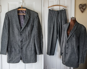 Vintage 1950s herringbone black and gray wool tweed suit made by Richman Brothers | size 42
