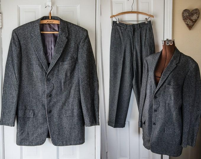 Vintage 1950s herringbone black and gray wool tweed suit made by Richman Brothers | size 42