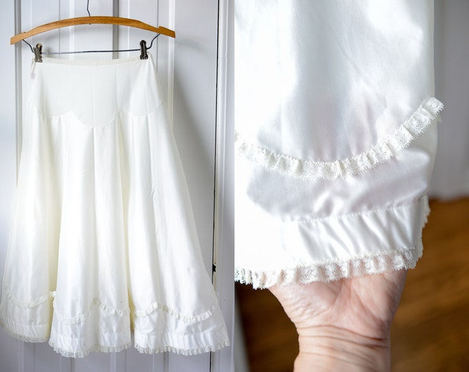 Vintage 50s white a-line half slip or petticoat with lace trim, Luxite, Size XS/S